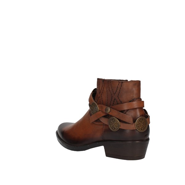 Inuovo Ankle boots Brown