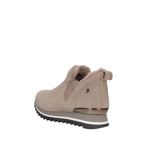 Gioseppo  low Beige