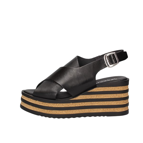 Creative  With wedge Black