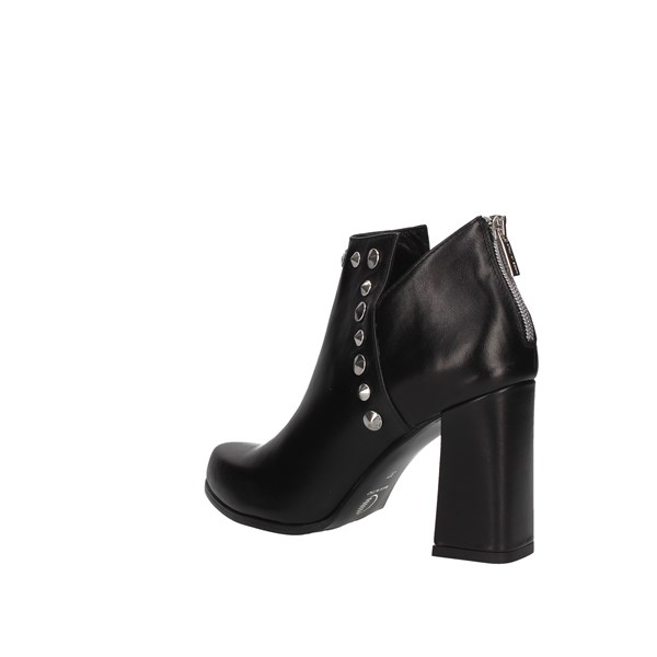 Andrea Pinto Ankle boots Black