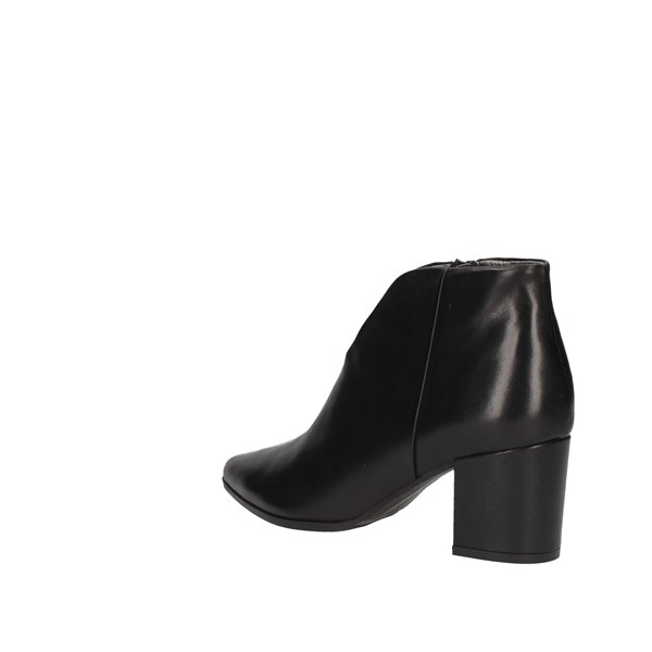 Paola Ferri Ankle boots