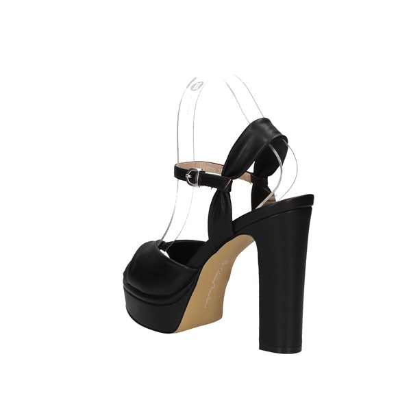 Oggi By Luciano Barachini Sandals Black