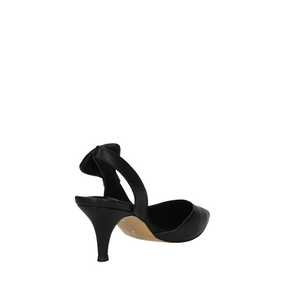 Oggi By Luciano Barachini Low shoes Chanel Woman Ee311l 3