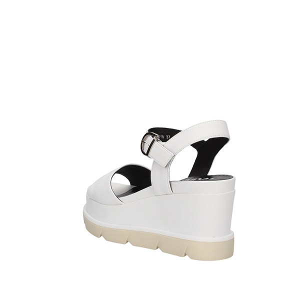 Oggi By Luciano Barachini Sandals White