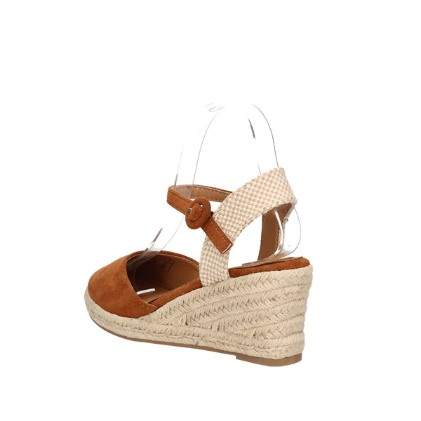 Refresh  With wedge Camel