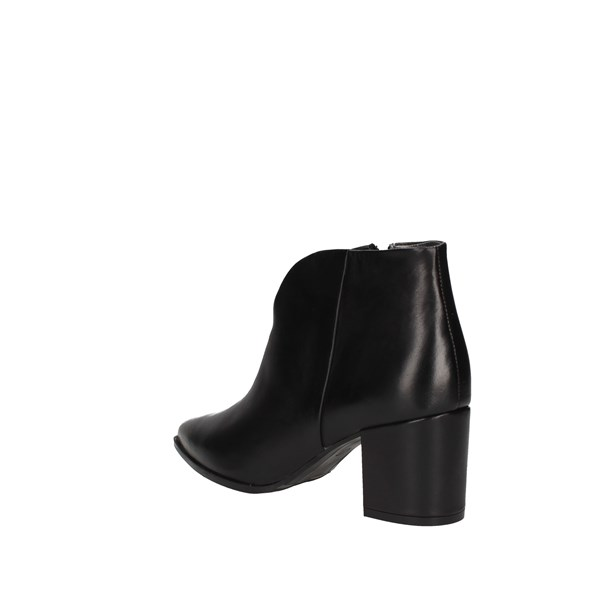 Paola Ferri With heel Black