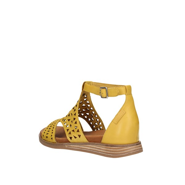 Carmela Low Yellow