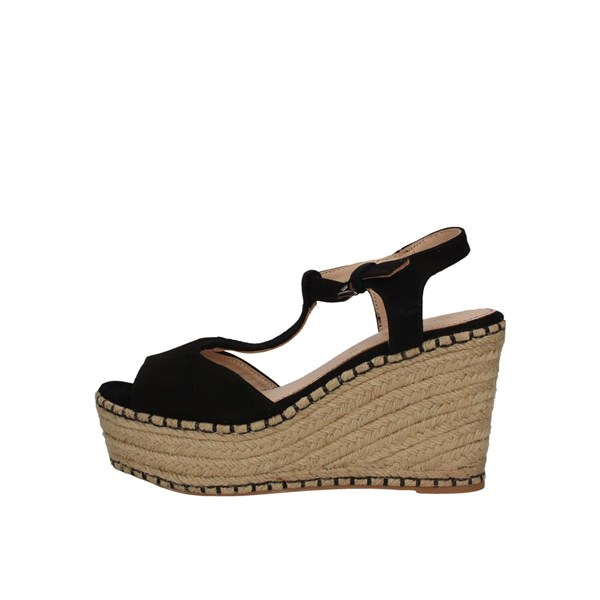 Saralopez  With wedge Black